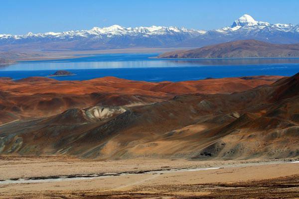 Вид на Кайлас - озеро дьявола