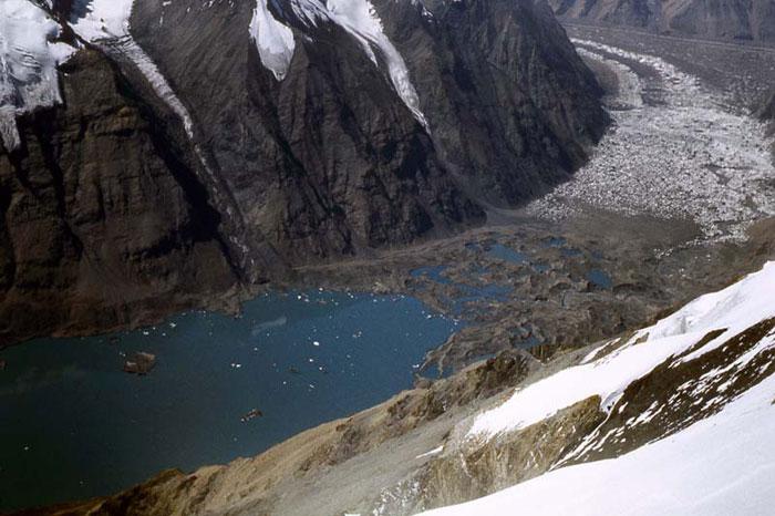 Озеро Мерцбахера. 3 фото Никитина С.